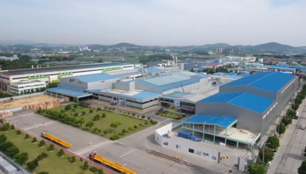 ▲전북 정읍시에 있는 KCFT 공장 전경 (사진 제공=SKC)