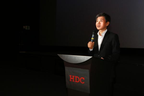 ▲정몽규 HDC그룹 회장이 12일 용산CGV에서 열린 BT프로젝트 워크숍에서인사말을 하고 있다(사진=HDC현대산업개발)
