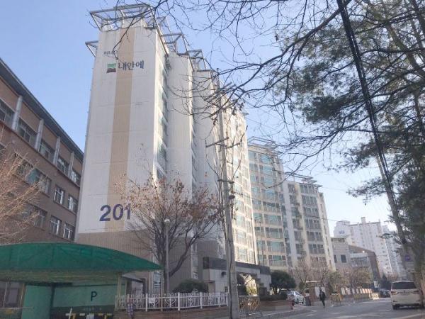 ▲ 서울 강서구 염창동 245-1 이너스내안에아파트 201동 301호(사진=지지옥션)