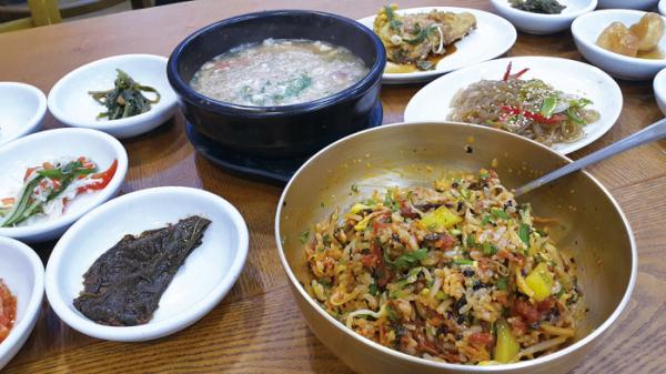 ▲잘 비빈 전주비빔밥(황광해 맛 칼럼니스트)