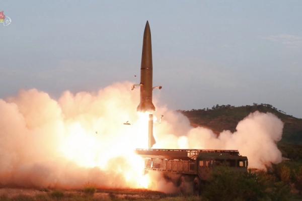 ▲사진은 조선중앙TV가 보도한 신형전술유도무기(단거리 탄도미사일) 발사 모습.(연합뉴스)