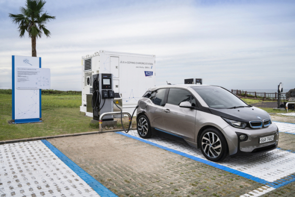 ▲BMW코리아가 제주도에 친환경 전기차 충전소 e-고팡을 마련했다.  (사진제공=BMW코리아)