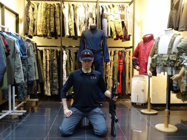 ▲엄상현 씨는 국내 밀리터리, 택티컬 브랜드 하이퍼옵스에 대한 열렬한 팬이라며 관련 제품으로 코스프레 하는 것을 즐긴다고도 했다. (이재영 기자 ljy0403@)