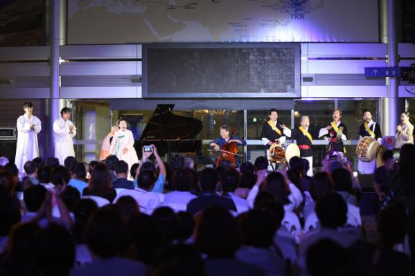 ▲9일 도라산역 '문화로 이음, 디엠지(DMZ)평화음악회'에서 공연이 진행되고 있다. (사진제공=효성)