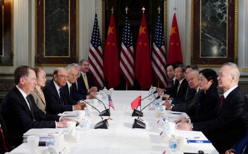 ▲지난 2월 미국과 중국의 실무급 무역협상단이 워싱턴D.C.에서 만나 논의하고 있다. 워싱턴D.C./AFP연합뉴스