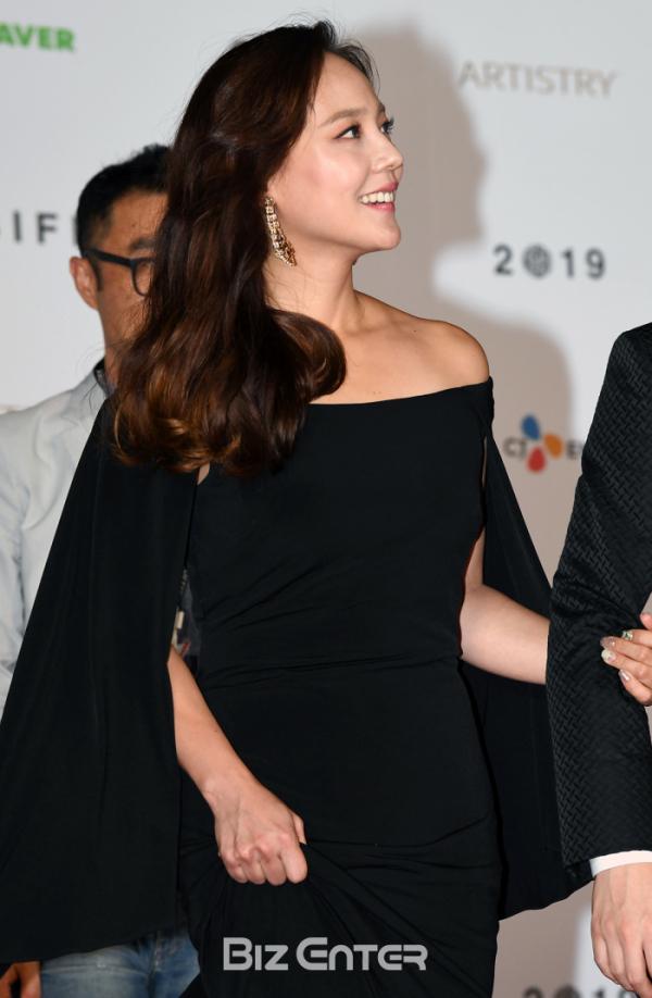 ▲제24회 부산국제영화제 개막식에 참가한 배우 유진(비즈엔터DB)