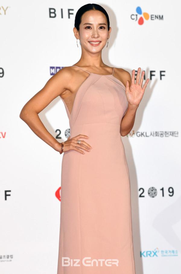 ▲제24회 부산국제영화제 개막식에 참가한 배우 조여정(비즈엔터DB)