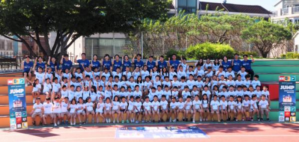 ▲경복 메이커교육에선 여름방학, 겨울방학 기간에 메이커 캠프를 개최한다. '메이커캠프'에 참석한 이들의 모습.