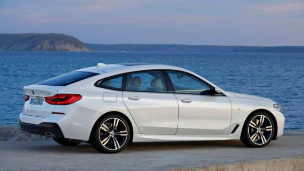 ▲GT는 장거리 투어러를 의미한다. 둘 또는 넷이 장거리를 달리기에 모자람이 없어야 한다. 그에 걸맞는 엔진 성능과 공간, 편의장비는 필수다. 사진은 BMW 3시리즈 GT.  (출처=BMW글로벌미디어)