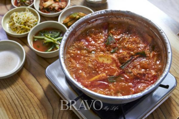 ▲영동식당 닭볶음탕 한상 차림(오병돈 프리랜서 obdlife@gmail.com)