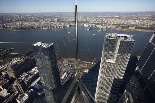 ▲뉴욕 맨해튼 허드슨 야드의 최고층 건물 '30 허드슨 야드' 꼭대기에 있는 전망대에서 바라본 전경. 맨해튼/AP연합뉴스