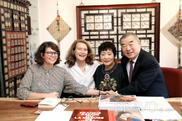 ▲갈리마르 출판사 프로젝트 팀과 손인숙 작가, 이기수 예원 실그림 문화재단 이사장