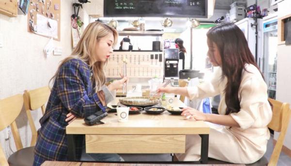 '백종원의 골목식당' 마마무 솔라&문별 '지짐이집' 출격 새모둠전 시식