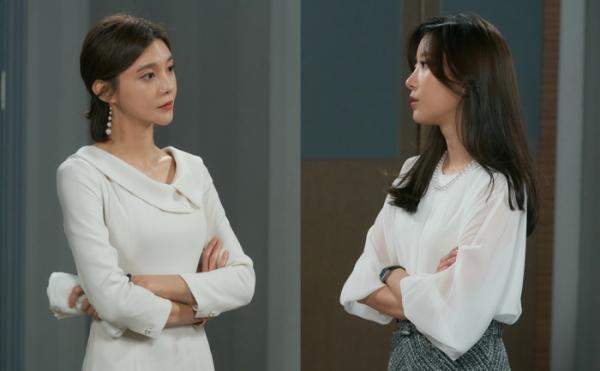'우아한 모녀' 친자매 차예련-오채이, 김흥수 두고 삼각관계? '불꽃 기싸움'