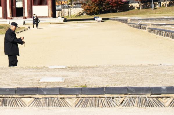 ▲부여 정림사지에 남아있는 와적기단(서동환 동년기자)