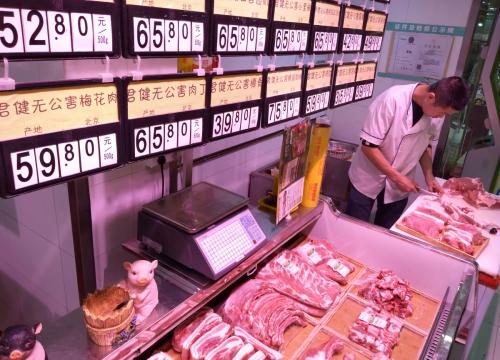 ▲중국 베이징에 있는 상점에 돼지고기가 진열돼 있다. 베이징/로이터연합뉴스