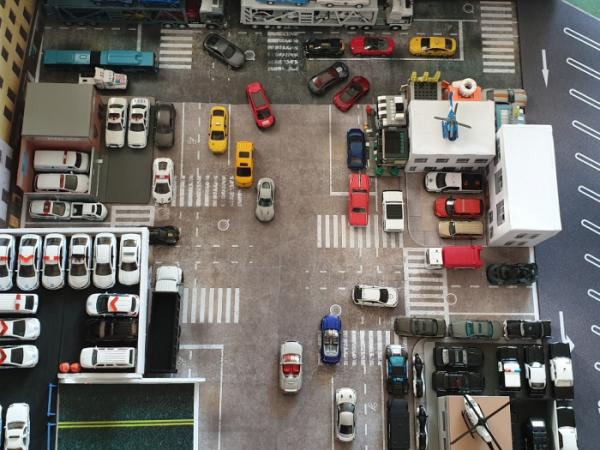 ▲제민 씨의 방 곳곳에는 그가 직접 방문한 도시가 미니카와 모형으로 재현돼 있다. 이곳은 미국 뉴욕의 한 거리를 재현한 모습이다. (사진제공=박제민)