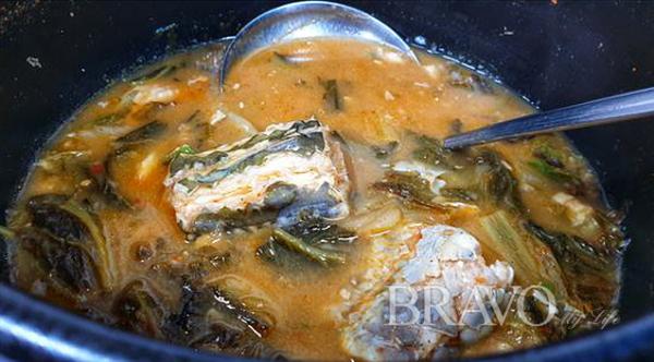 ▲통장어탕. 주인장이 직접 잡아온 통장어로 푹 끓인 보신 요리(변용도 동년기자)