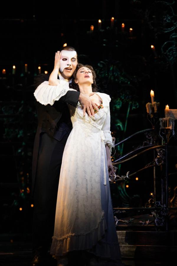 ▲뮤지컬 '오페라의 유령'은 19세기 파리 오페라하우스를 배경으로 흉측한 얼굴을 마스크로 가린 천재 음악가 유령과 프리마돈나 크리스틴의 엇갈린 사랑을 그린다. (사진제공=에스앤코)