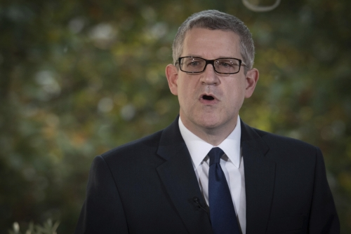 ▲영국 국내정보부(M15) 국장은 12일(현지시간) 파이낸셜타임스(FT)와의 인터뷰에서 영국이 중국 통신장비업체 화웨이를 5세대(5G) 네트워크 건설에 참여시키더라도 미국과의 정보동맹에 타격은 없다고 주장했다. 런던/AP뉴시스