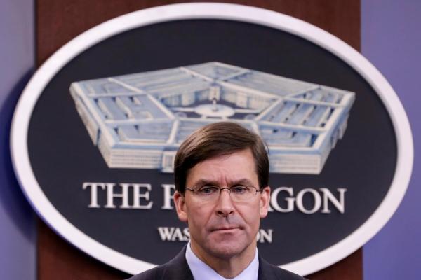 ▲마크 에스퍼 미국 국방장관이 버지니아주 알링턴에 있는 펜타곤에서 기자 브리핑을 하고 있다. 알링턴/로이터연합뉴스