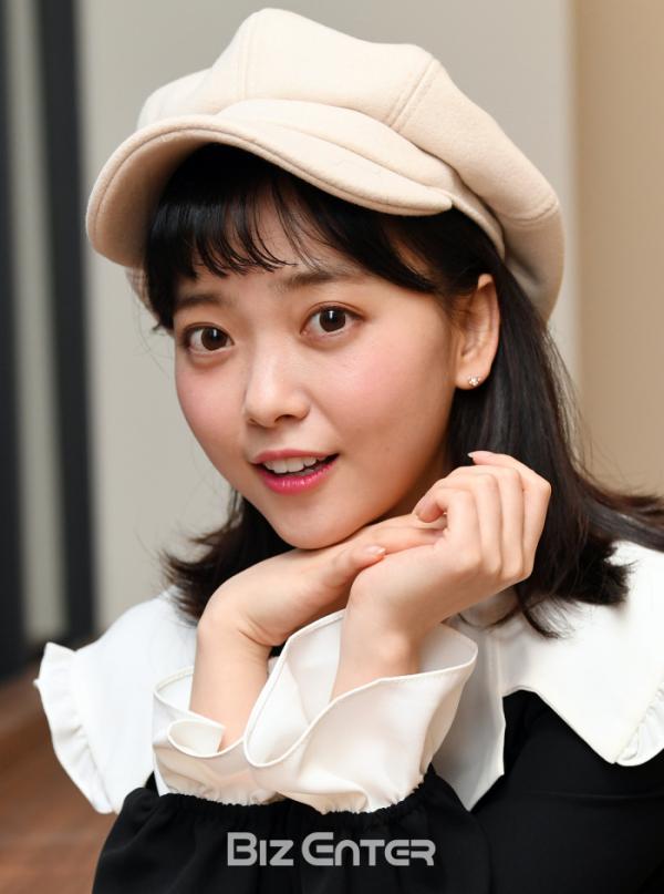 ▲가수 요요미가 서울 동작구 비즈엔터 편집국을 찾아 2020년 포부를 전했다.(비즈엔터DB)