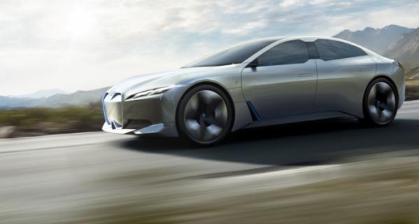 ▲BMW는 i3와 i8로 점철되는 전기차 라인업에 순수 전기차 i4를 추가한다. 브랜드 명성에 걸맞게 시속 100km 가속을 4.0초 대에 주파한다.  (출처=BMW 미디어)