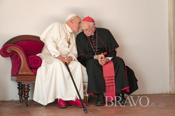 ▲자진 사임으로 바티칸을 뒤흔든 교황 베네딕토 16세와 그 뒤를 이은 교황 프란치스코의 실화를 담은 영화 '두 교황' 스틸 컷(사진제공 넷플릭스)