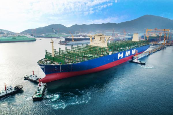 ▲현재 건조 중인 현대상선의 2만4,000TEU급 컨테이너선은 20피트짜리 컨테이너 24,000개를 선적할 수 있는 세계 최대 규모의 선박이다.  (사진제공=현대상선)