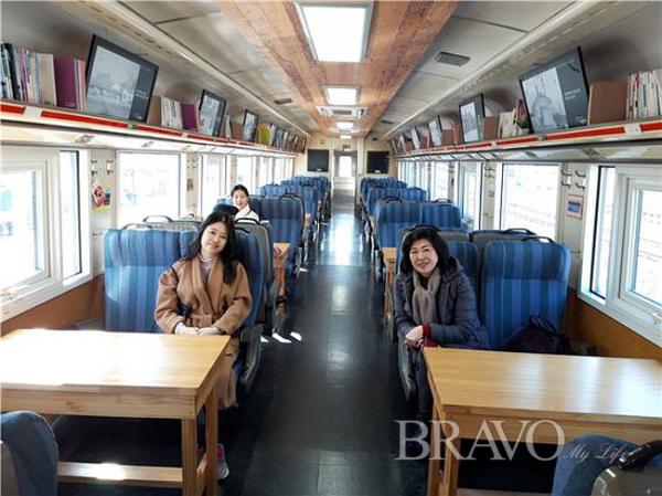 ▲옛날 김유정역 무궁화호 열차 내부(사진 홍지영 동년기자)