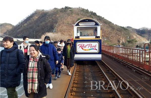 ▲낭만열차(사진 홍지영 동년기자)