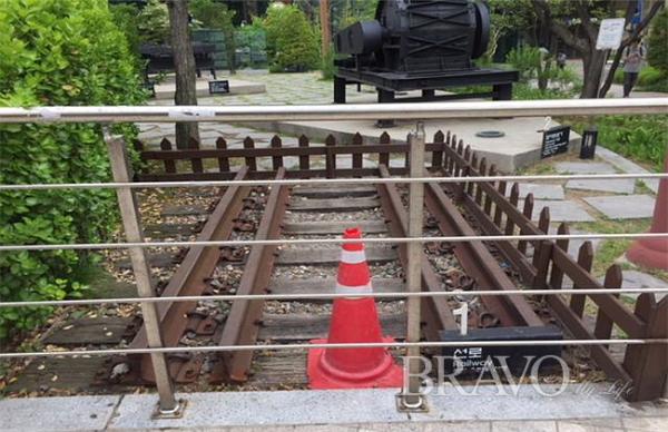 ▲제1파트② : 석탄 운반용 선로(사진 홍지영 동년기자)