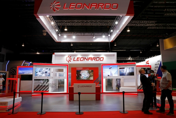 ▲싱가포르에서 11일(현지시간) 에어쇼가 개최된 가운데 코로나19로 기업들이 불참하면서 텅 빈 부스가 보이고 있다. 싱가포르/로이터연합뉴스   (연합뉴스)
