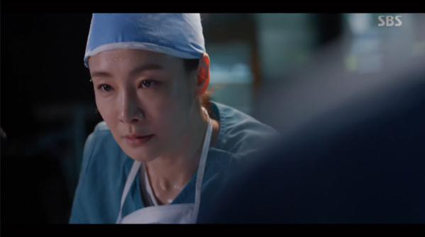 ▲심혜진(박효주), 조기흥분증후군 의심(사진=SBS '낭만닥터 김사부2' 방송화면 캡처)