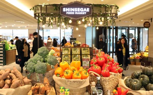 ▲2020년 1월 10일 리뉴얼 오픈한 신세계 영등포점 1층 식품관 모습. 사진제공=신세계백화점