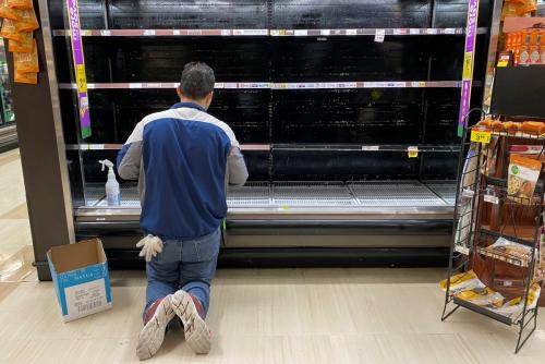 ▲미국 슈퍼마켓 진열장이 텅 비었다. 로스앤젤레스/로이터연합뉴스