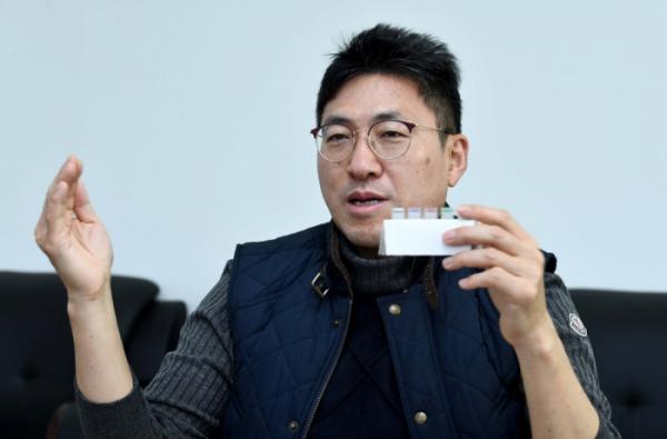 ▲유재형 솔젠트 대표가 4일 인천 연수구 인천테크노파크에서 이투데이와 인터뷰를 갖고 있다. 신태현 기자 holjjak@ (이투데이DB)