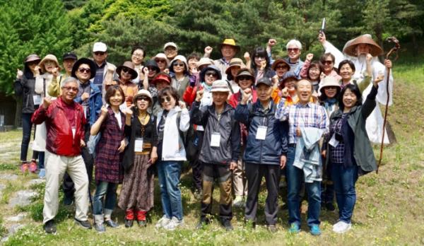 ▲길 위의 인문학 프로그램 참석 기념 사진
