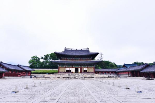 ▲인정전(사진 황정희 시니어기자)