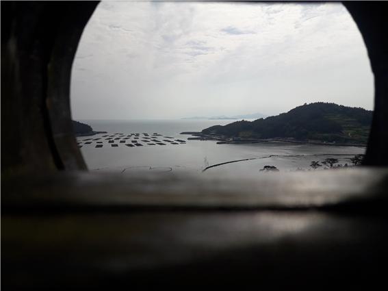 ▲주막에서 보는 바다(사진 정원일 시니어기자)