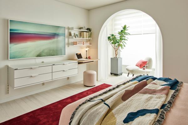 ▲아치형으로 된 발코니 입구는 호텔의 침실 같은 분위기를 만든다(한샘)