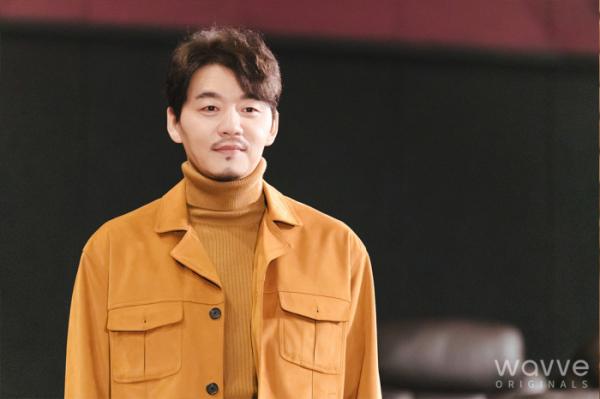 ▲'현성문' 역을 맡은 김승수(사진제공=웨이브)