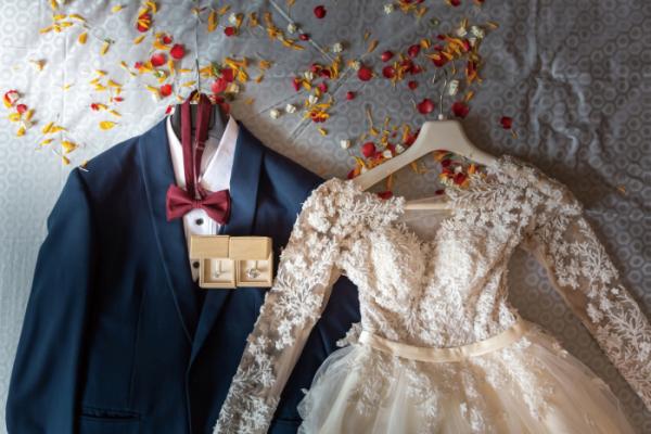 ▲자녀가 경제적으로 독립했을지라도, 결혼 시에는 부모의 도움이 필요하다.(셔터스톡)