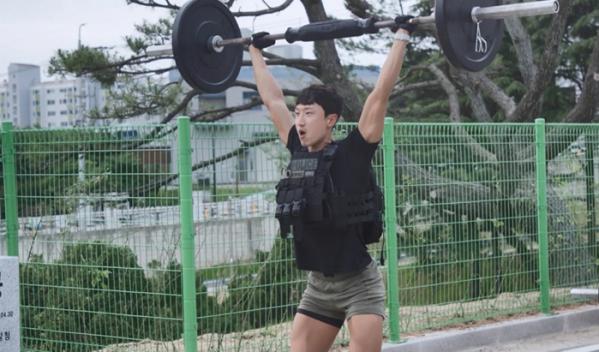 ▲'아무튼 출근!' 해양경찰특공대원 김민수(사진제공=MBC)