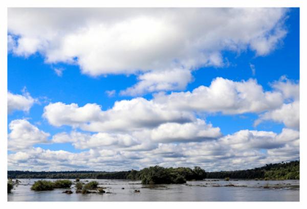 ▲아르헨티나령 이구아수 폭포의 '악마의 목구멍' 가는 길.(사진제공 장은미)