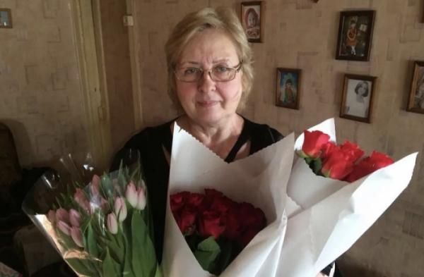 ▲노보쿠즈네츠크에 사는 스베틀라나 사라보바는 2층에서 추락하는 예고르를 손으로 받아냈다.(뉴욕포스트)