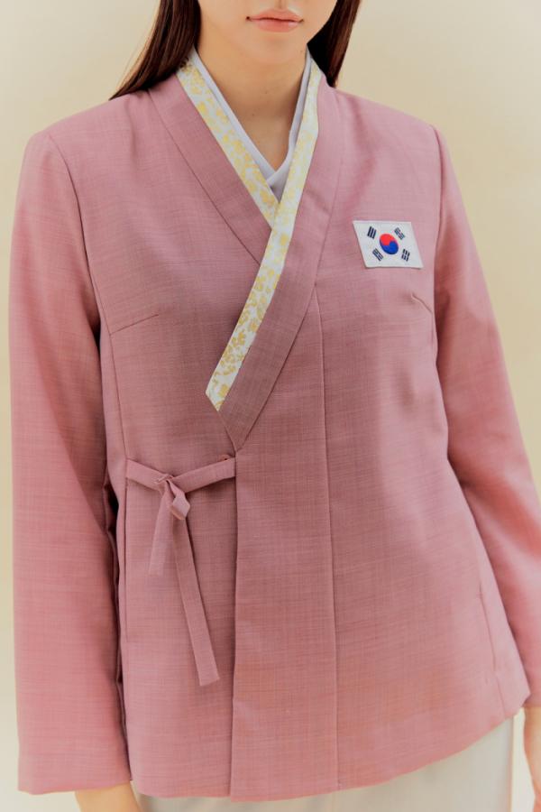 ▲2020 도쿄패럴림픽 선수단복 덧저고리. (돌실나이)