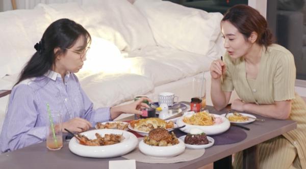 ▲'편스토랑' 이민영, 이유리(사진제공=KBS 2TV)