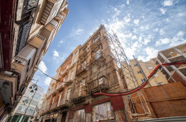 ▲최근 아파트 시장에서 재건축의 대안으로 떠오르는 것이 '리모델링'이다. (셔터스톡)