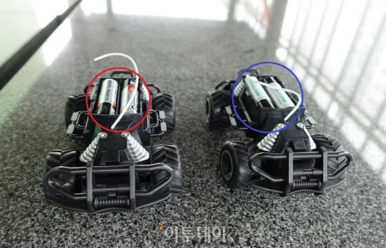 [직썰리뷰] USB로 충전되는 건전지…충전지 충전하는데 충전기가 필요 없다고?